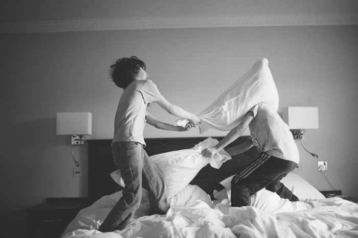 pillowfight8-1