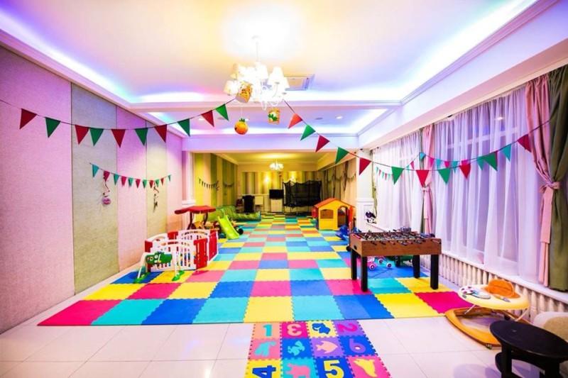 Loc de joaca indoor